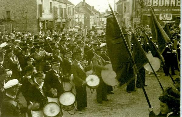 25 mai 1952, festival de musique place de l'Église. (Collection SHCB)