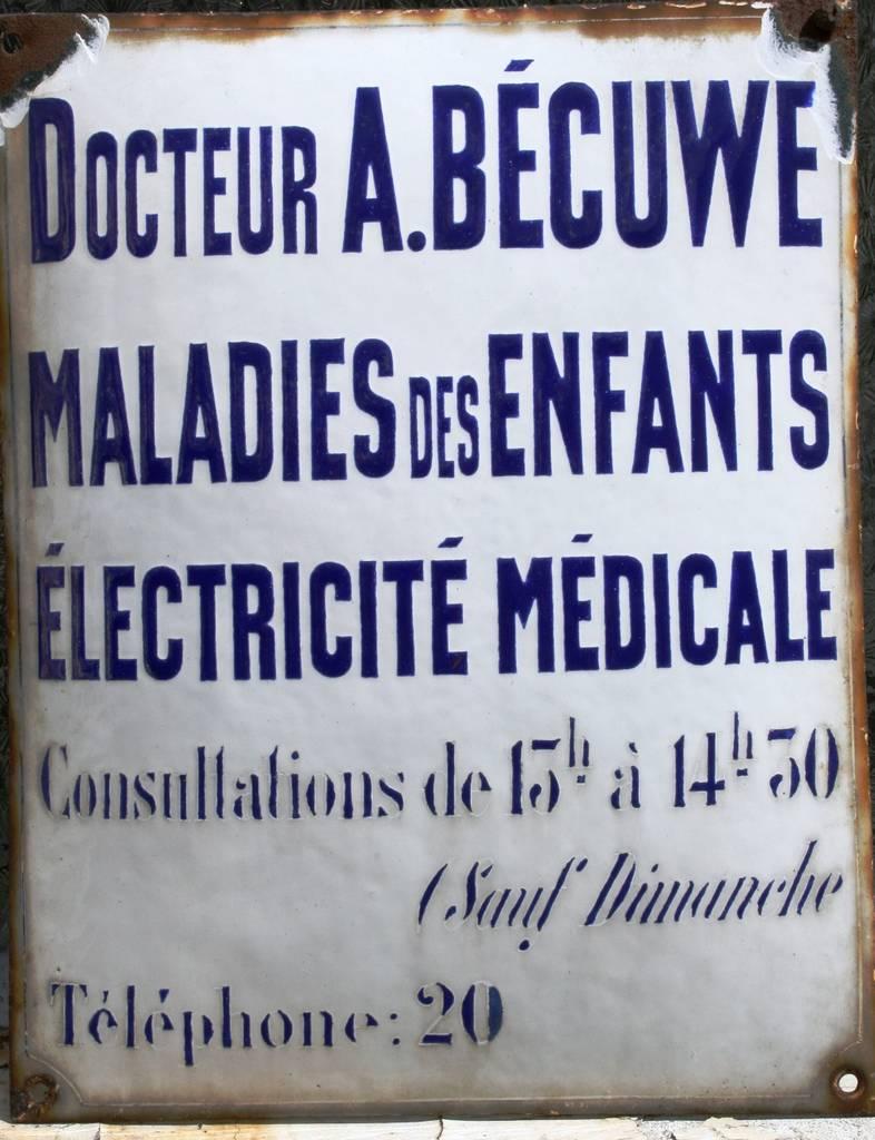 Plaque émaillée (collection Anita Bécuwe)