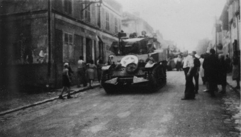 Entrée des chars américains dans Le Châtelet-en-Brie
