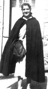 Mme Henri Factrice au Châtelet-en-Brie vers 1954 (Collection SHCB).