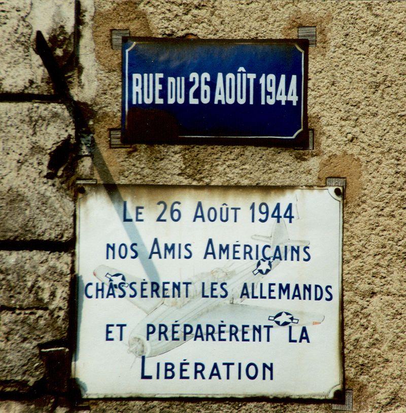 Plaque commémorative posée le 26 août 1946 (Collection SHCB)
