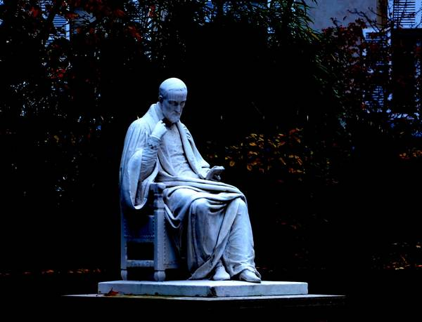 Etienne Pasquier au jardin du Luxembourg Paris<br> sculpture de Denis Foyatier 1825 (Collection SHCB)