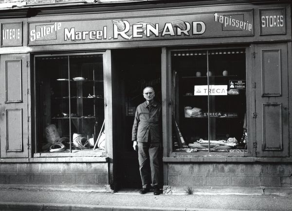 Marcel Renard devant son magasin en 1983 (collection Jean-Claude Renard)